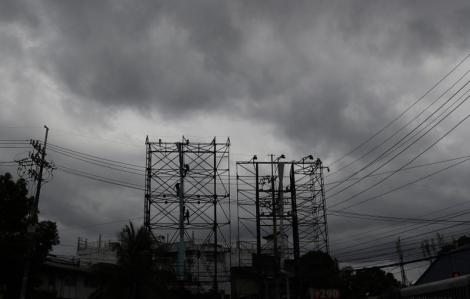 Giữa dịch COVID-19, Philippines phải sơ tán hàng chục ngàn người tránh bão