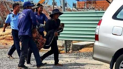 Sập tường công trình, ít nhất 10 người tử vong