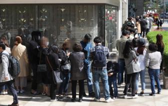 Seoul cân nhắc tạm ngừng hoạt động hãng Chanel để chống dịch
