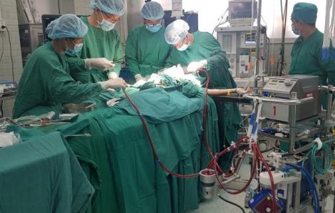 Chi phí điều trị cho phi công Vietnam Airlines mắc COVID-19 đã lên đến 5 tỉ đồng