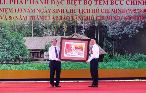 Phát hành bộ tem đặc biệt kỷ niệm 130 năm Ngày sinh Chủ tịch Hồ Chí Minh