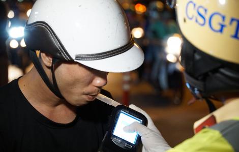 Xuyên đêm xử lý vi phạm giao thông