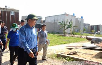 Bí thư Nguyễn Thiện Nhân thị sát điểm nóng nhà không phép ở Bình Chánh