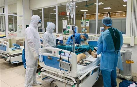 Phi công Vietnam Airlines mắc COVID-19 cải thiện chức năng phổi, nhưng tiên lượng vẫn nặng