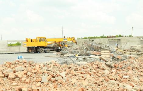Khởi tố vụ sập tường công trình ở tỉnh Đồng Nai khiến 10 người chết