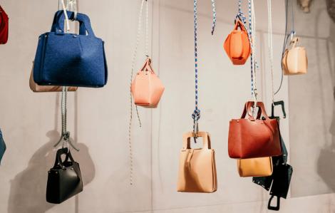 Người Nhật thiết kế túi xách tự lắp ráp cho công ty Ý