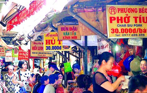 """Lê la trong """"ngôi đền ẩm thực đường phố"""""""