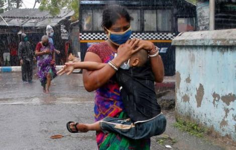 Siêu bão Amphan giày xéo Ấn Độ và Bangladesh