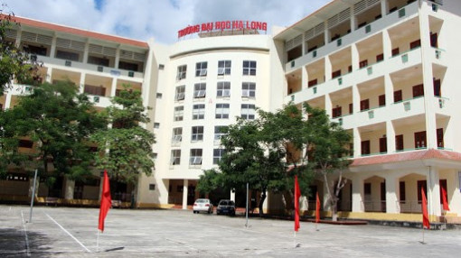 """Chủ tịch UBND tỉnh Quảng Ninh kiêm hiệu trưởng trường đại học: """"Chuyện nực cười"""""""