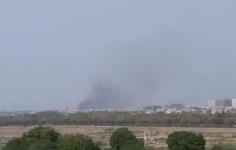 Máy bay chở hơn 100 người lao xuống khu dân cư ở Karachi