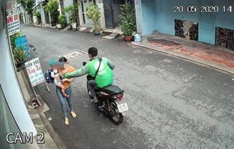 Tài xế GrabBike khai cướp điện thoại của người mẹ ẵm con nhỏ để lấy tiền mua ma túy