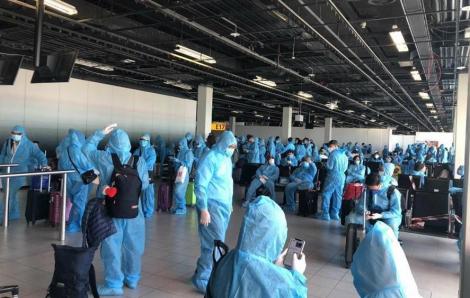 Chuyến bay đón 300 công dân từ châu Âu và châu Phi hạ cánh an toàn tại Tân Sơn Nhất