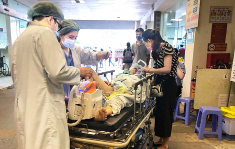 Nắng nóng, sốc nhiệt khiến hàng loạt người nhập viện