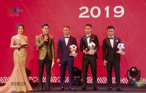 Tiền vệ Đỗ Hùng Dũng đoạt Quả bóng vàng 2019