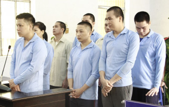 8 bị cáo bật khóc khi được mẹ của nạn nhân xin giảm án