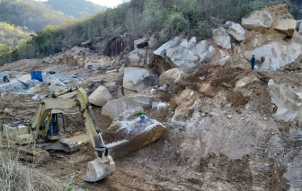 Núi Tóc Tiên nguy cơ bị xóa sổ vì khai thác đá trái phép