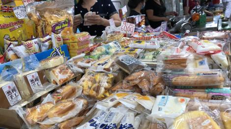 Chưa đến Trung thu, bánh mini Trung Quốc đã đầy chợ
