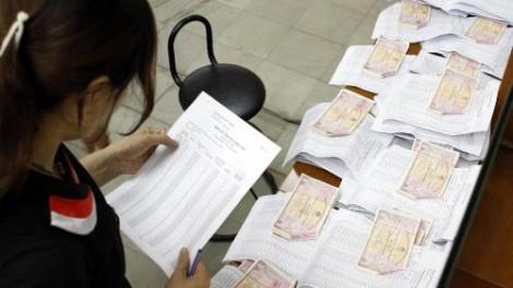 Rút tiền ngân hàng ném vào trái phiếu bất chấp rủi ro