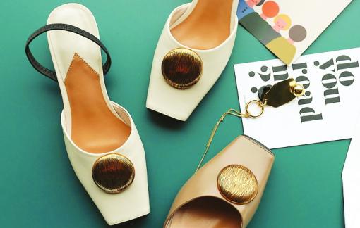 Sự trở lại của đôi giày bị ghét nhất lịch sử thời trang