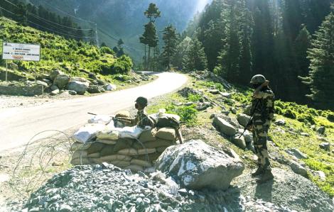 Nhiều binh sĩ Ấn Độ chết vì thời tiết khắc nghiệt ở Himalaya