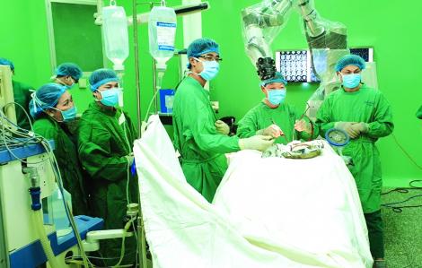 Phẫu thuật sọ não bằng robot, cơ hội mới cho nhiều bệnh nhân