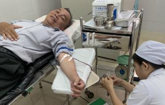 """Dược sĩ khuyết tật hạnh phúc khi """"trao đi giọt máu, cứu một mạng người"""""""