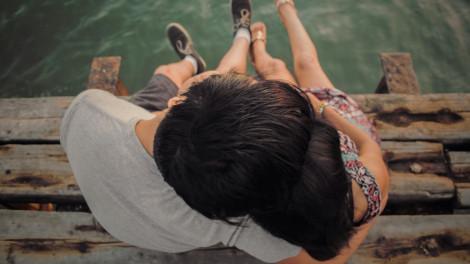 Hãy hôn nhau đi…