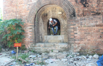 """Xôn xao câu chuyện bí ẩn về hai cổng thành mới """"xuất lộ"""" ở cố đô Huế"""