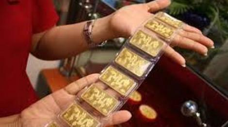 Vượt mức 49,3 triệu đồng/lượng, giá vàng trong nước vẫn thua thế giới