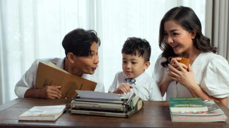 """Diễn viên Huỳnh Đông: """"Tiêu chí sống của tôi là phải đem được tiếng cười về nhà"""""""
