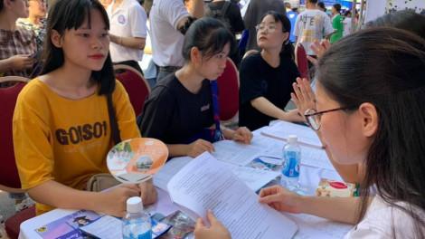 Học sinh TP.HCM ưu tiên tổ hợp khoa học tự nhiên, có thí sinh chọn 20 nguyện vọng