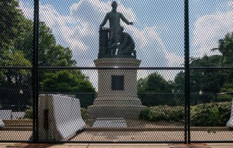 Bộ An ninh Nội địa Mỹ triển khai đặc nhiệm liên bang bảo vệ các tượng đài trong Ngày Độc lập