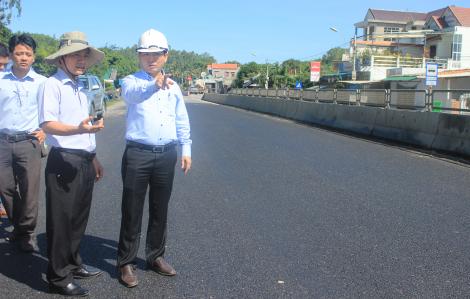 """Giám đốc Sở GTVT Quảng Ngãi """"vừa đá bóng vừa thổi còi"""" gần cả nhiệm kỳ"""