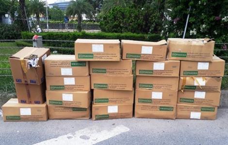 Truy tìm đối tượng vứt 20 thùng thuốc tây hết hạn tại Đại lộ Thăng Long