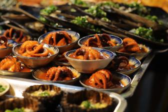 Những món ăn nhìn thôi đã khó cưỡng cơn thèm ở chợ đêm Phú Quốc