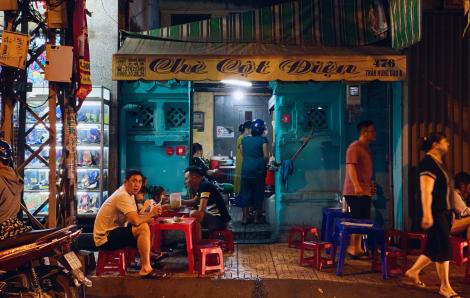 """Kì lạ những quán ăn nghe tên """"rùng mình"""" nhưng lúc nào cũng đông khách ở Sài Gòn"""