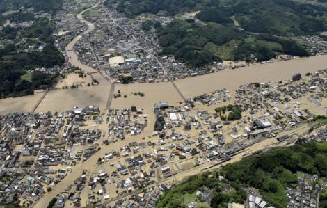 15 người chết, 9 người mất tích vì mưa lũ tại tây nam Nhật Bản