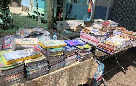Tập sách và đồ dùng cũ tặng trẻ vùng sâu, vùng xa