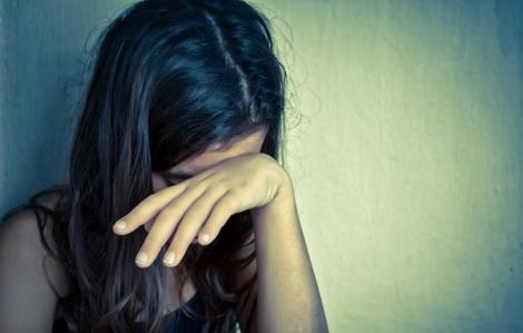 Bắt giữ gã đàn ông say xỉn dâm ô với bé gái 12 tuổi ở Sài Gòn