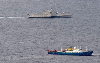 """Cùng lúc tập trận tại 3 vùng biển châu Á, Trung Quốc muốn """"răn đe"""" các nước láng giềng?"""