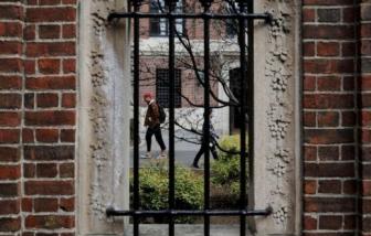Mỹ tuyên bố rút visa với sinh viên nước ngoài nếu trường học chuyển sang dạy  trực tuyến