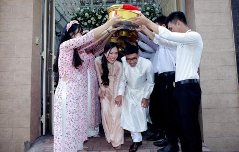Cưới đơn giản, cưới vui, cưới ấm áp
