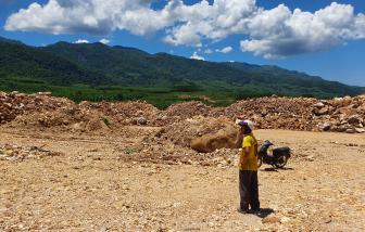 Doanh nghiệp tận thu khoáng sản động mồ mả người dân