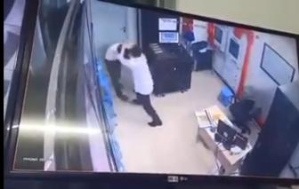 Nữ bảo vệ chung cư bị cư dân say rượu hành hung vô cớ
