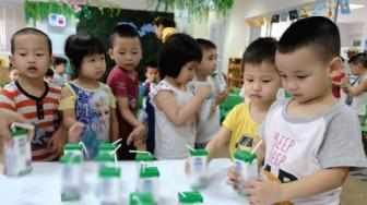 TP.HCM: Đa số phụ huynh chưa muốn con tham gia uống sữa học đường