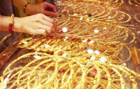 Giá vàng tiến dần lên mốc 51 triệu đồng/lượng