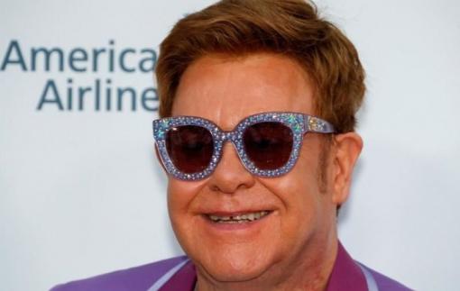 Danh ca Elton John ủng hộ 25 triệu USD phòng, chống HIV