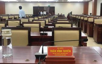 Ông Trần Vĩnh Tuyến và ông Trần Trọng Tuấn bị tạm đình chỉ tư cách đại biểu HĐND TPHCM