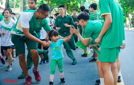 Hơn 30.000 người tham gia Ngày chạy Olympic vì sức khỏe toàn dân tại TPHCM
