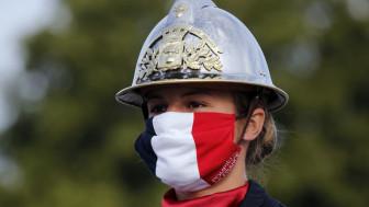 Pháp tôn vinh các anh hùng chống COVID-19 trong ngày Quốc khánh